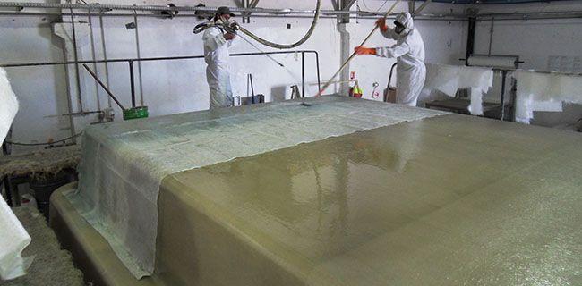fabrication d 39 une piscine coque polyester fabricant francais de piscines. Black Bedroom Furniture Sets. Home Design Ideas
