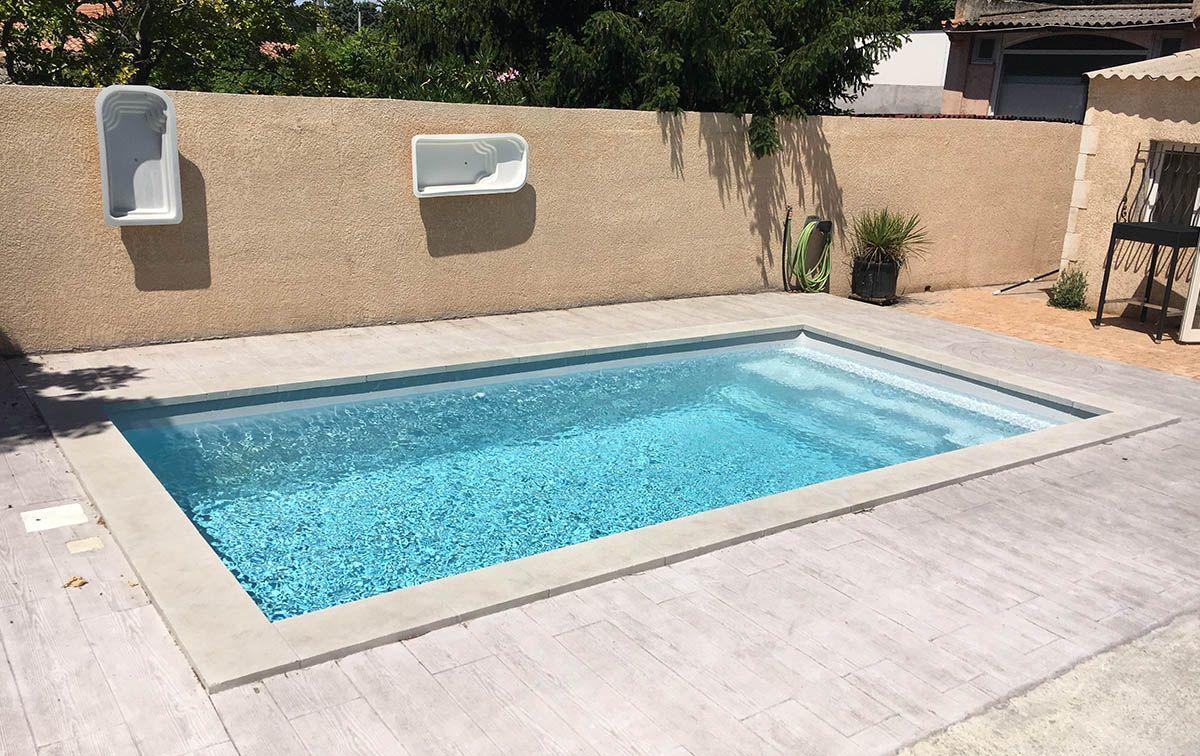 Mod le lac de rousset d tails de la piscine coque for Taille standard piscine rectangulaire