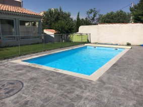Photo piscine coque 8x4 fond plat - Photo piscine en polyester