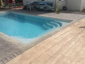prix piscine coque 8x4 d tails de la piscine coque lac. Black Bedroom Furniture Sets. Home Design Ideas