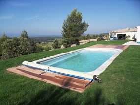 Photo piscine coque photos piscines polyester page 4 for Prix piscine coque a debordement
