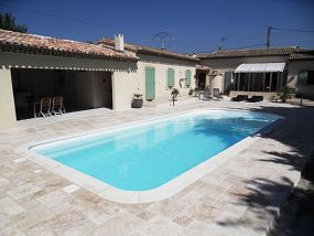 Photo Grande piscine plage en monobloc polyester - Photo piscine en polyester