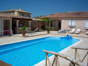 Photo Piscine polyester, pool house - Photo piscine en polyester