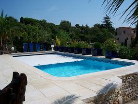 am nagement autour de la piscine id e d coration pour piscine neptune piscines. Black Bedroom Furniture Sets. Home Design Ideas