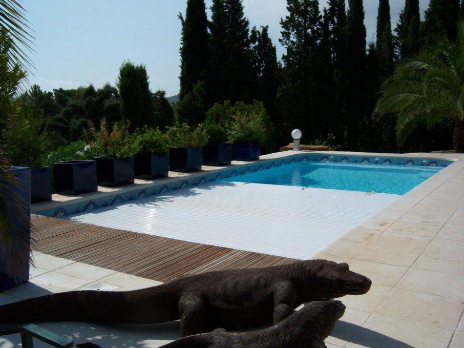 le volet roulant immerg piscine coque avec volet. Black Bedroom Furniture Sets. Home Design Ideas