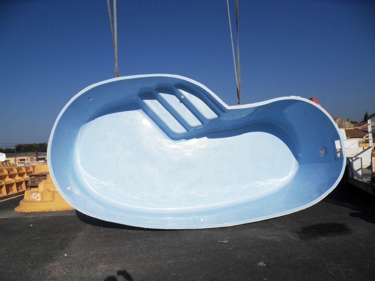 mod le lac majeur 6 50 par 3 50m piscine coque haricot neptune piscines. Black Bedroom Furniture Sets. Home Design Ideas
