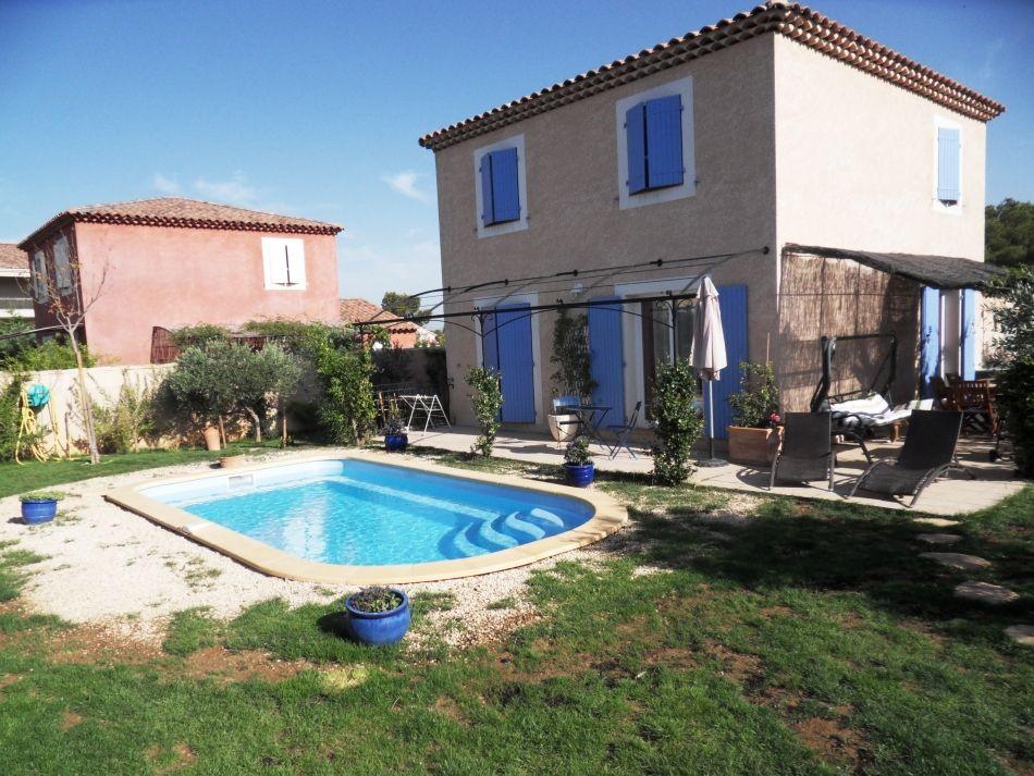 Piscine coque de 6m piscine polyester 6m neptune piscines for Piscine coque tarif