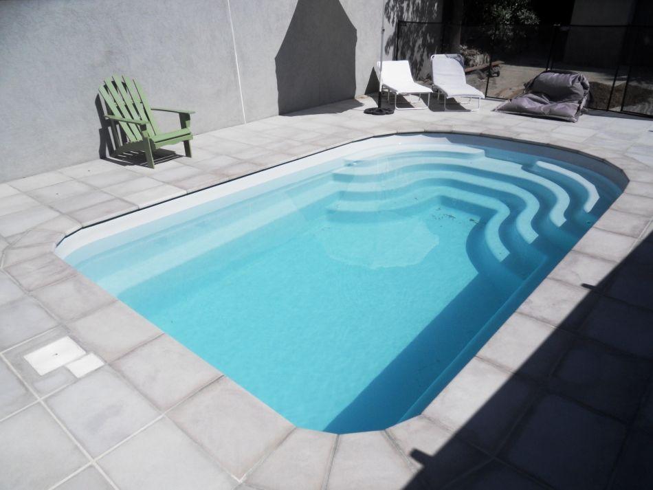 Petite piscine 5 par 3 petite coque 5m par 3 neptune piscines - Entretien piscine coque polyester ...