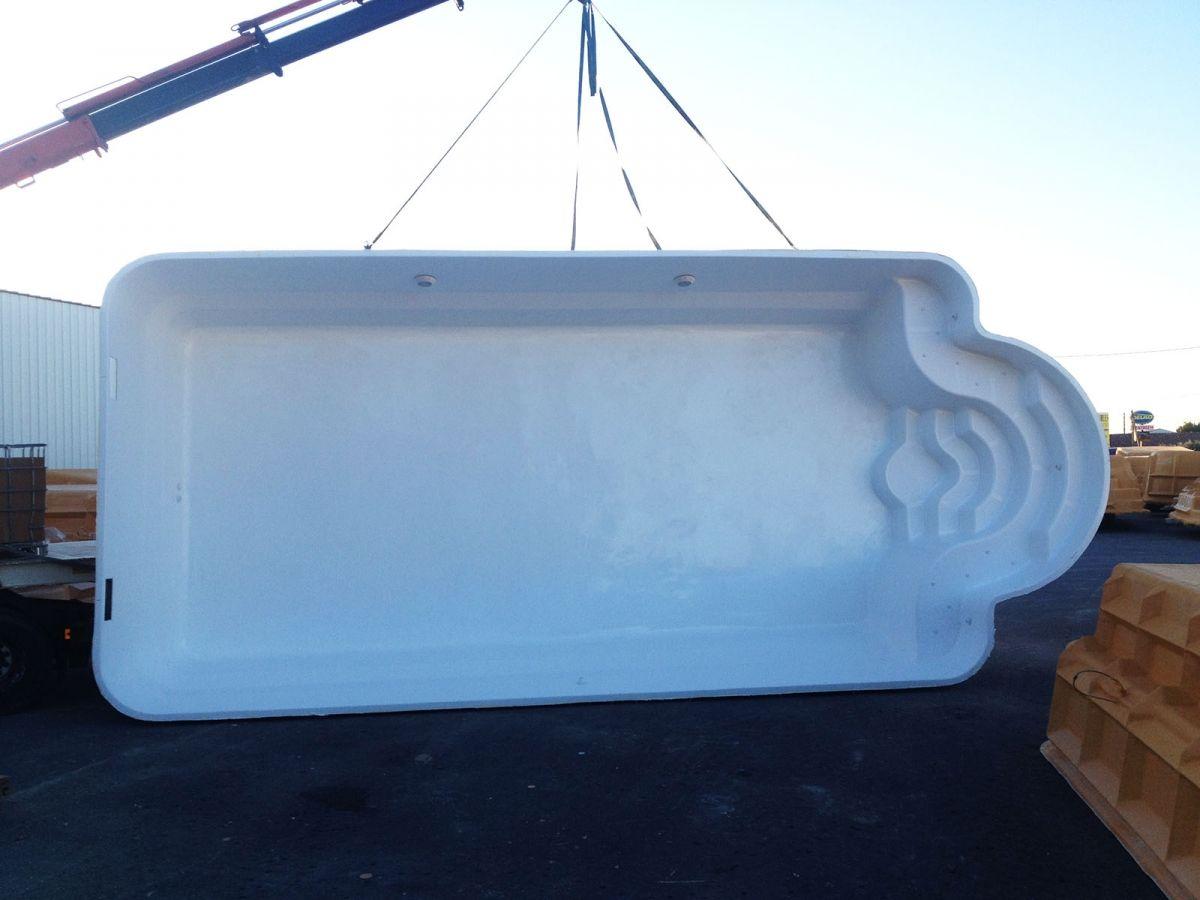 Mod le melo 9 80 par 4 20m grande piscine coque type for Piscine romaine