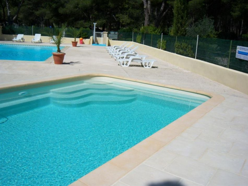 Photo Piscine de camping, 10*4 - Photo d'une piscine coque